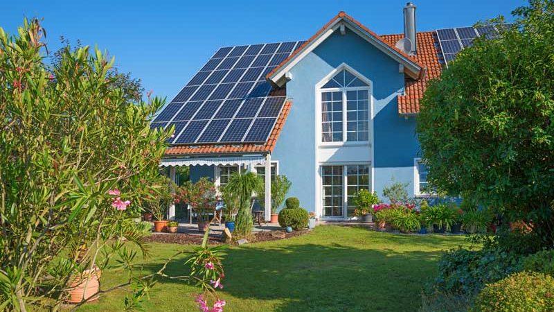 Beweggründe für eine Solaranlage: eigenen Strom erzeugen